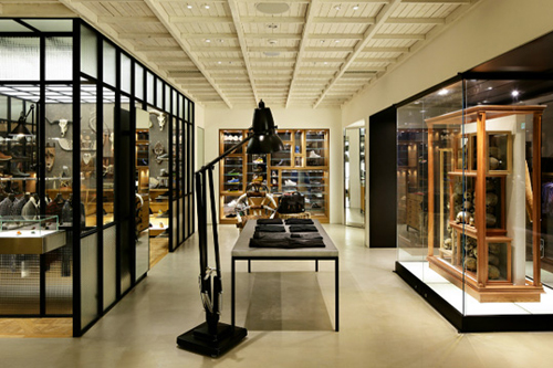 man-on-the-boon-store-seoul-2